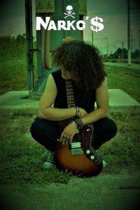 """""""alt=immagine cantante Narko's con chitarra """""""